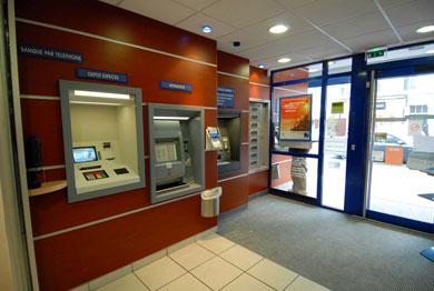 Distributeur automatique de billets (banques)