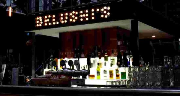 belushis-bar-sports-paris