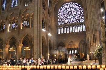 church-mass-paris