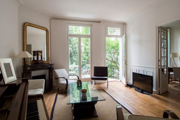 If spending time with your family is important to you, check out our artilce on the best family apartments in Paris!